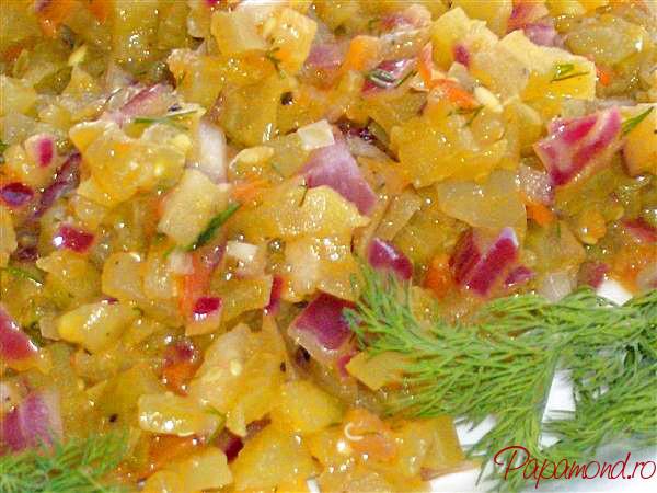 Salată de gogonele prăjite în ulei