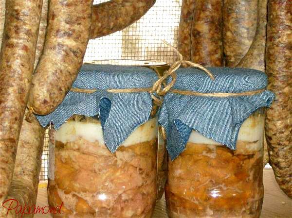 Carne de porc in suc propriu facuta in casa