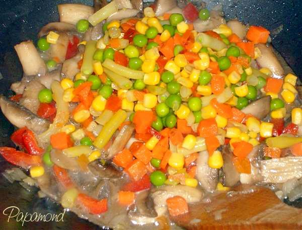 Orez cu ciuperci si legume mexicane