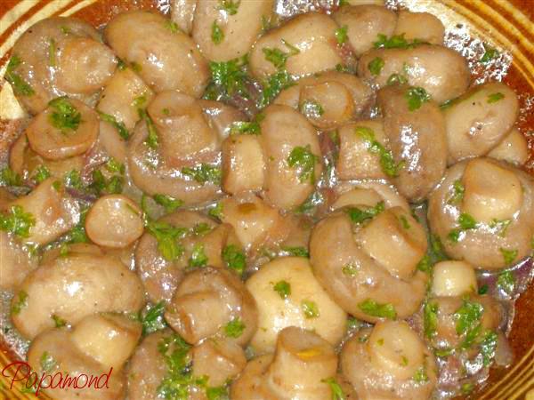 Ciuperci marinate