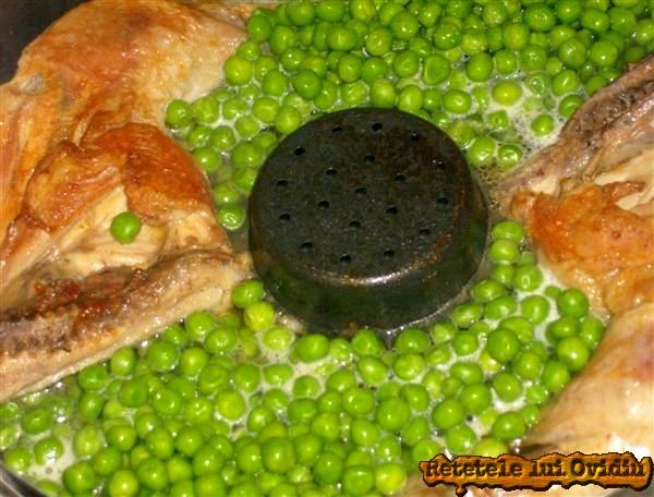 pulpe de pui cu piure si mazare