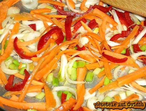 legume pentru orez si carnati cu afumatura