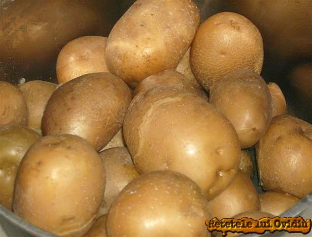 pastrav cu cartofi