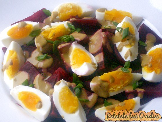 Salata de sfecla rosie cu ou