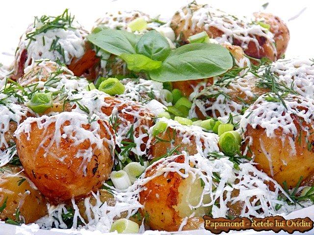 cartofi noi cu marar si branza 8