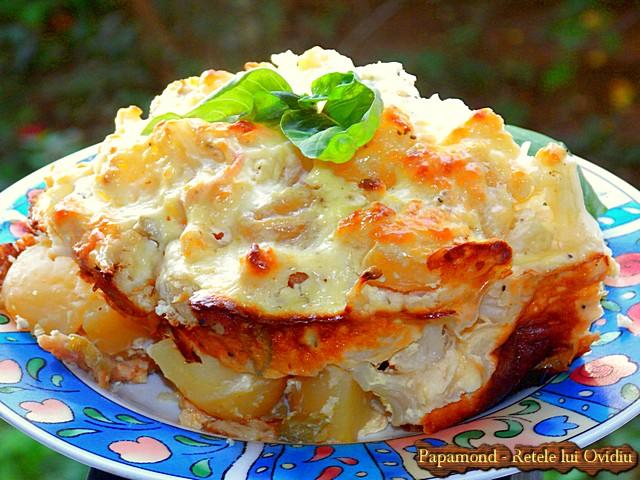 conopida la cuptor cu cartofi, praz si branza