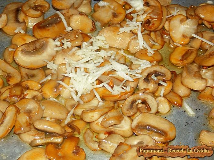 piept de pui cu piure de linte si ciuperci sote - www.papamond. ro (2)