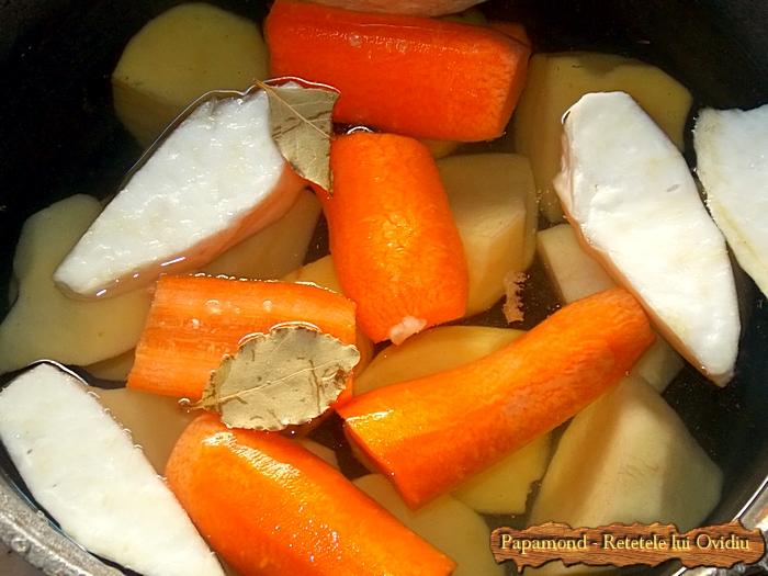 piure de legume cu costite de porc prajite - www.papamond. ro (2)