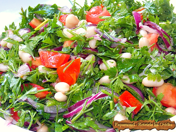 salata consistenta de patrunjel si fasole boabe- www.papamond. ro (5)