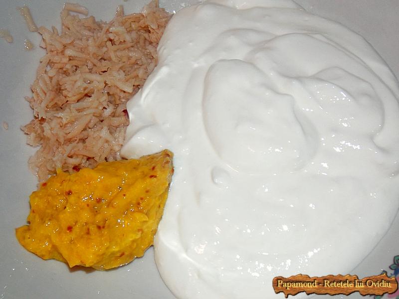 Ciolan afumat cu cartofi natur si sos de hrean - www.papamond. ro (4)