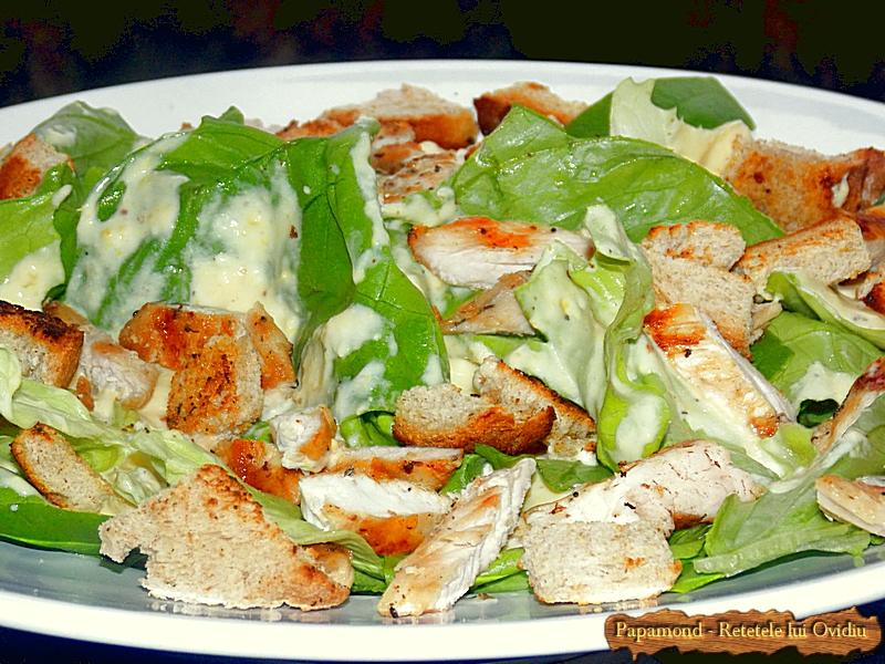 Salata Caesar cu piept de pui - www.papamond. ro (3)