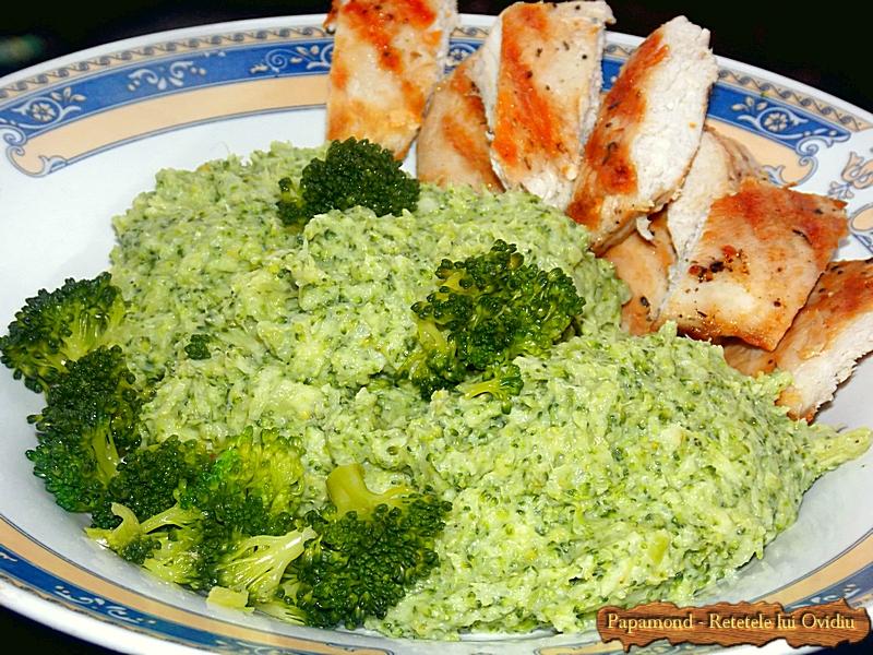 piept de pui cu piure de broccoli - www.papamond. ro (7)