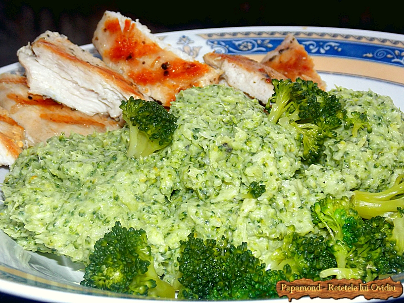 piept de pui cu piure de broccoli - www.papamond. ro (8)