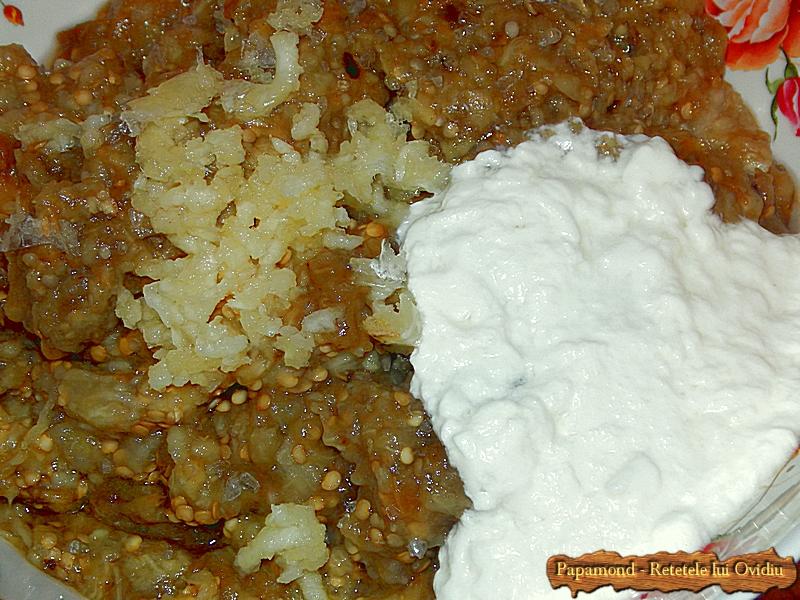 Salata de vinete cu iaurt si usturoi (5)