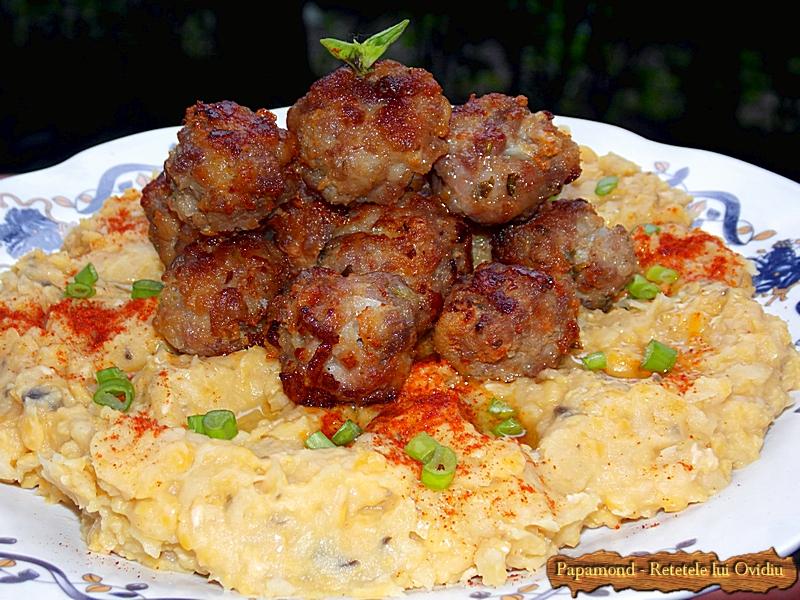 Piure de naut cu chiftelute (1)
