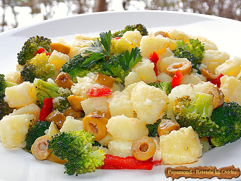 Salata de Broccoli si Cartofi cu Masline Picante