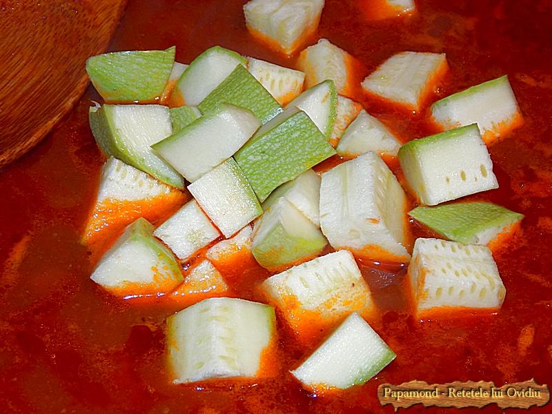 Carne de vita cu gnocchi in sos de rosii (10)