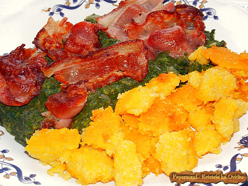 Urzici cu mamaliga rumenita si bacon crocant (3)
