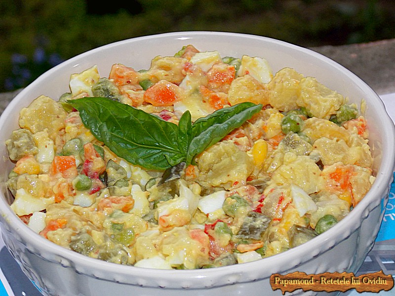 Salata Ruseasca. Salata A La Russe