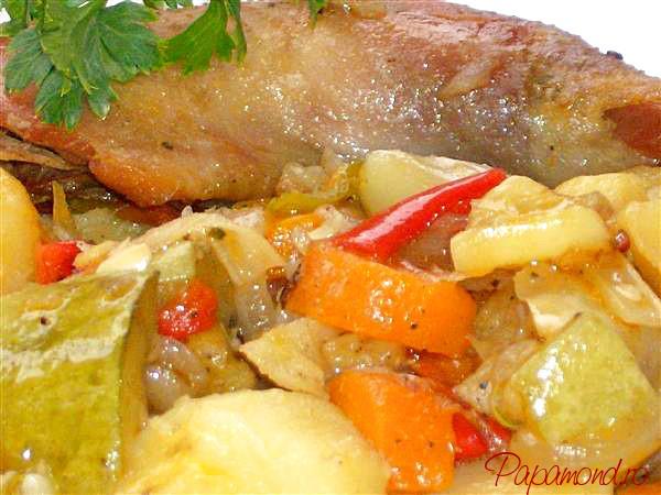 Ghiveci de legume cu carne de pui