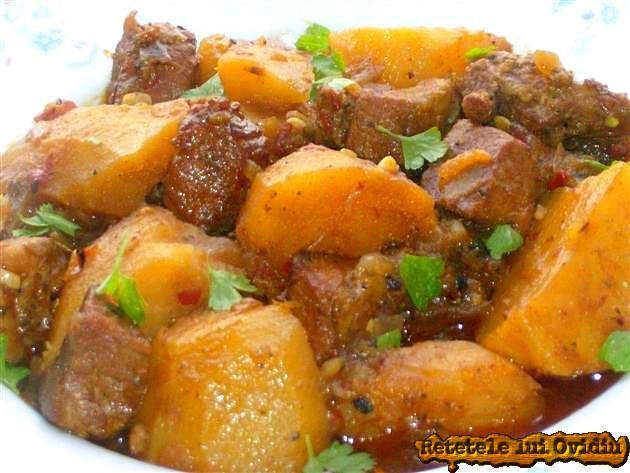 papricas de cartofi cu carne de porc