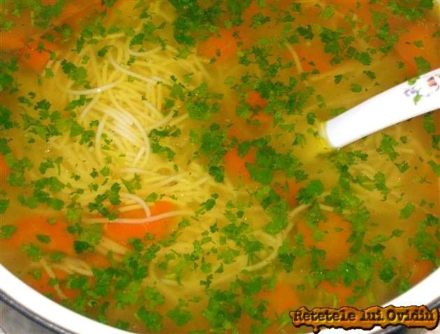 supa de gaina cu fidea